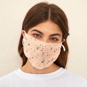 Accessories - 🎉JUST IN! Graphic Hearts Face Mask